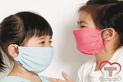 Phòng bệnh nhiễm khuẩn đường hô hấp trên ở trẻ khi giao mùa